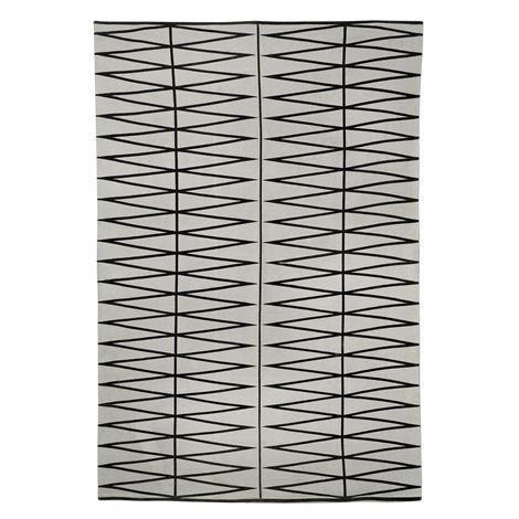 Bloomingville Matto Graafisella Kuviolla Musta 140x200 cm