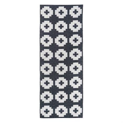 Brita Sweden Flower Matto Beluga Musta 70x250 cm