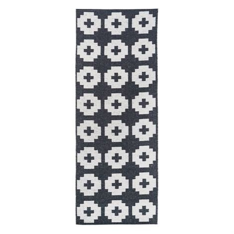 Brita Sweden Flower Matto Beluga Musta 70x300 cm